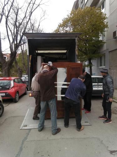 транспорт на мебели